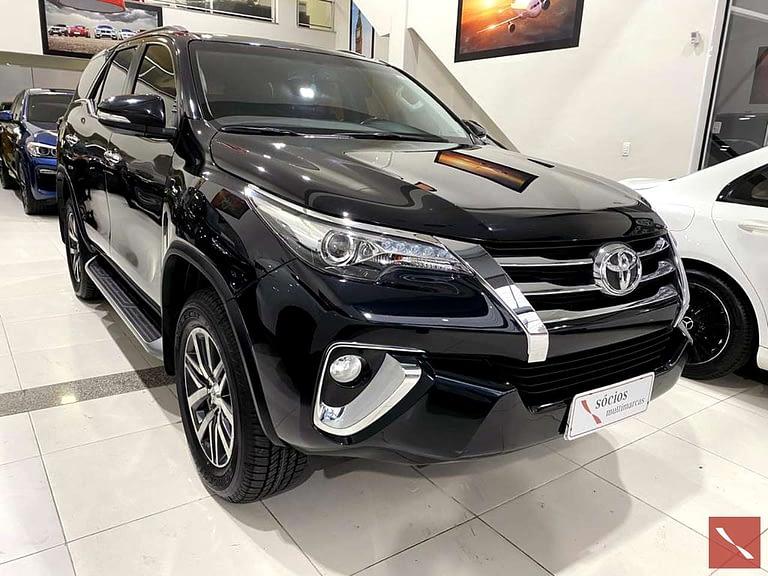 Toyota Hilux SW4 SRX 4X4 17\17