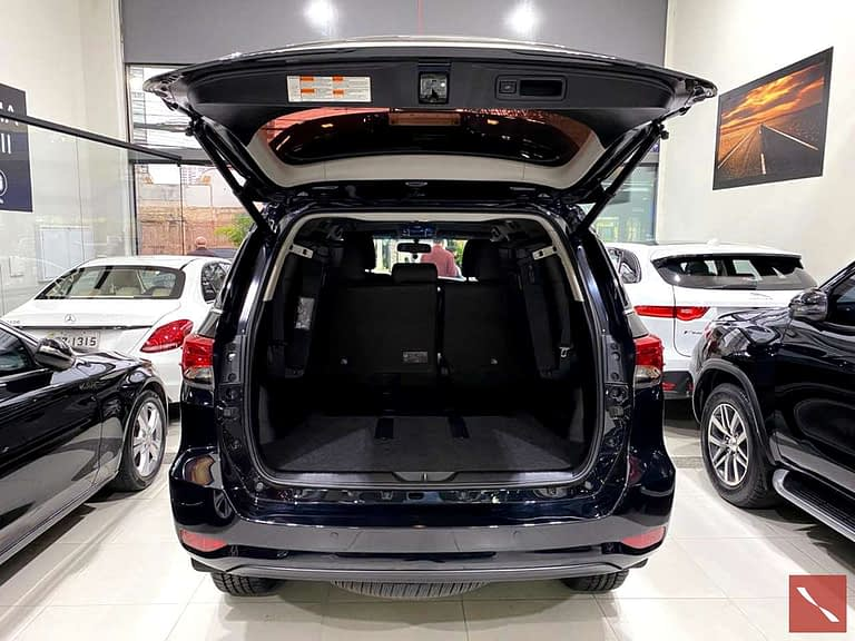 Toyota Hilux SW4 SRX 4X4 7 Lugares