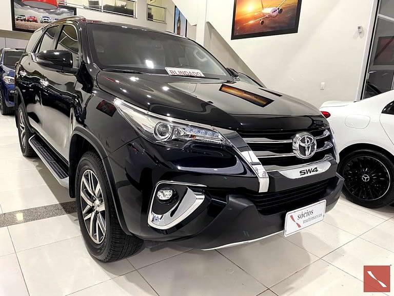Toyota Hilux SW4 SRX 4X4 7 Lugares Turbo Intercooler Automático 2018\2018